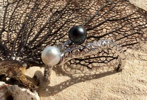 South Sea White/Black Pearl Bracelet