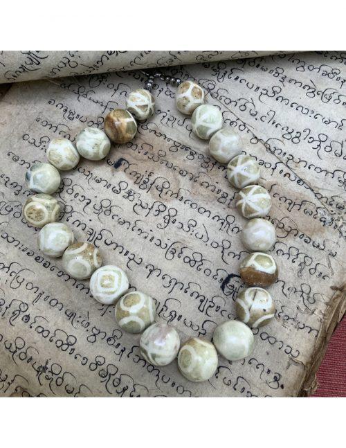 Pumtek Stone necklace