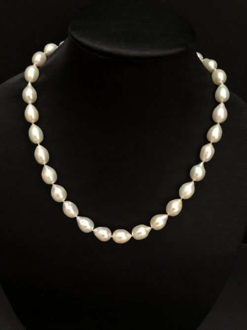 Drop-pearl necklace #cashmereandpearls