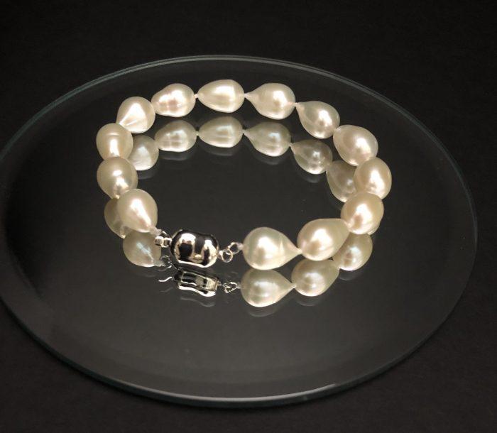 Pearl bracelet #cashmereandpearls