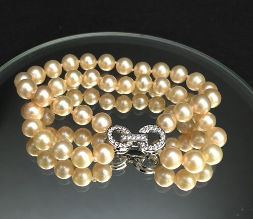 Freshwater Pearl Bracelet with Crystal Clasp #cashmereandpearls